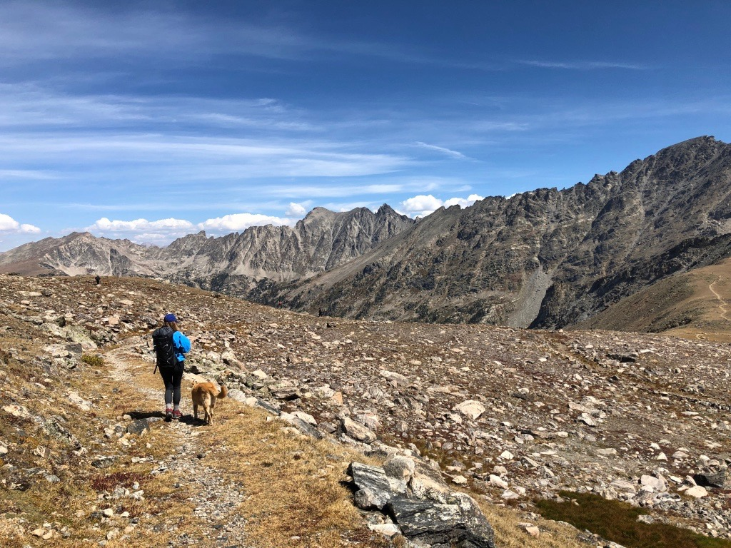 hike in to packraft alpine lake